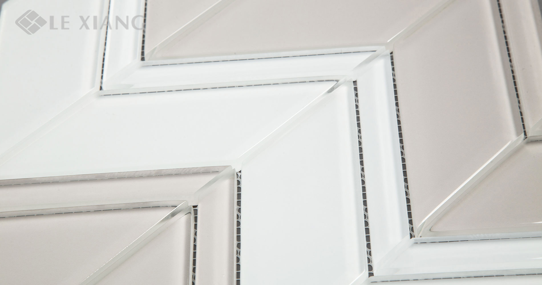 Blends-Chevron-Kitchen-Backsplash-Crystal-Glass-Mosaics-Tile-7