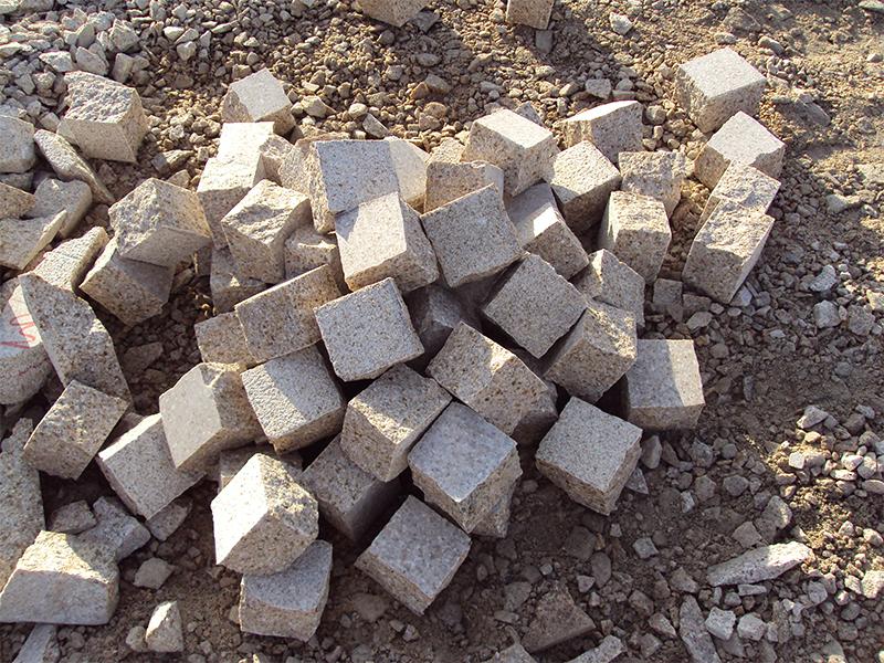 G682 Yellow Granite Cubes Outdoor Gardern Pavers-3