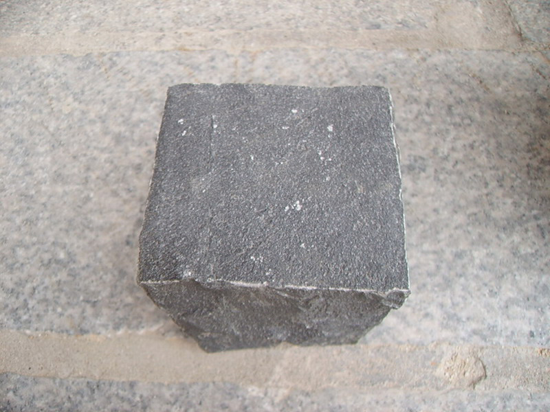 G685 Black Granite Cube Garden Paving Stone-3